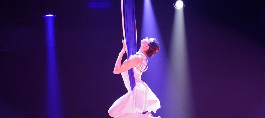 gymnastics-1156341_1920